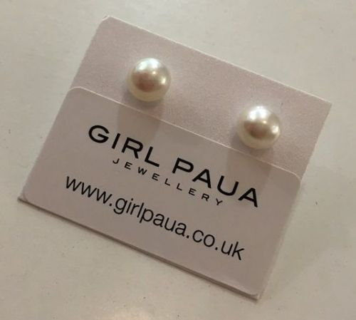 Freshwater Pearl Stud Earrings (White Small 6-8mm) FE04-WS